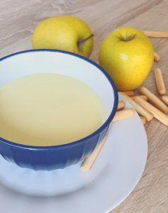 Crema de puerros y manzana preparación
