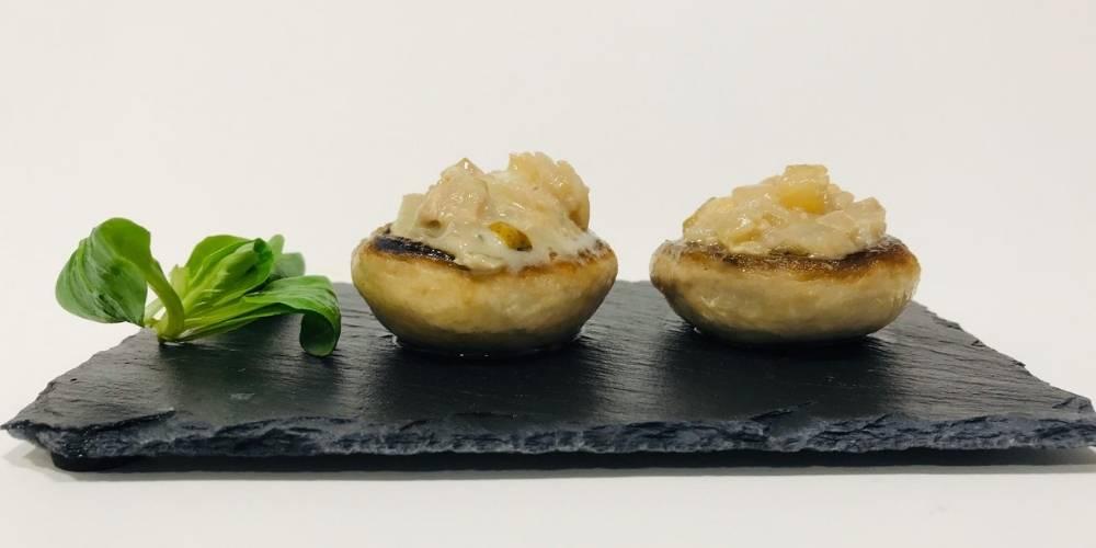 Champiñones rellenos de pera y queso receta