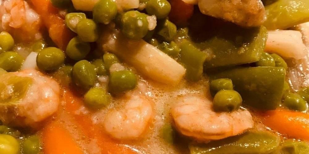 Guiso rápido de verduras y gambas receta