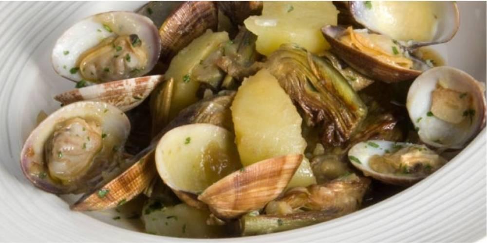 Receta alcachofas con almejas y patatas