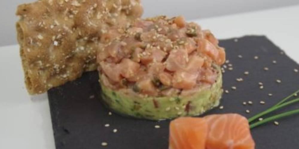 Tartar de aguacate y salmón receta